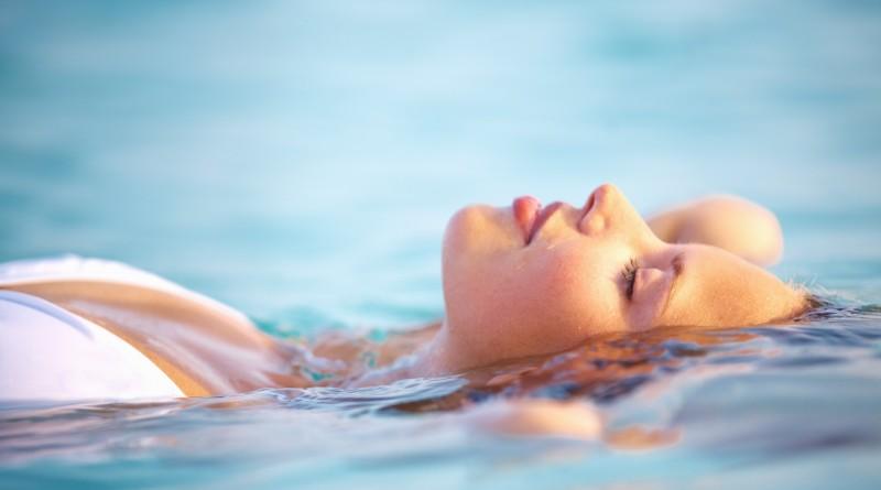вода девушка отдых