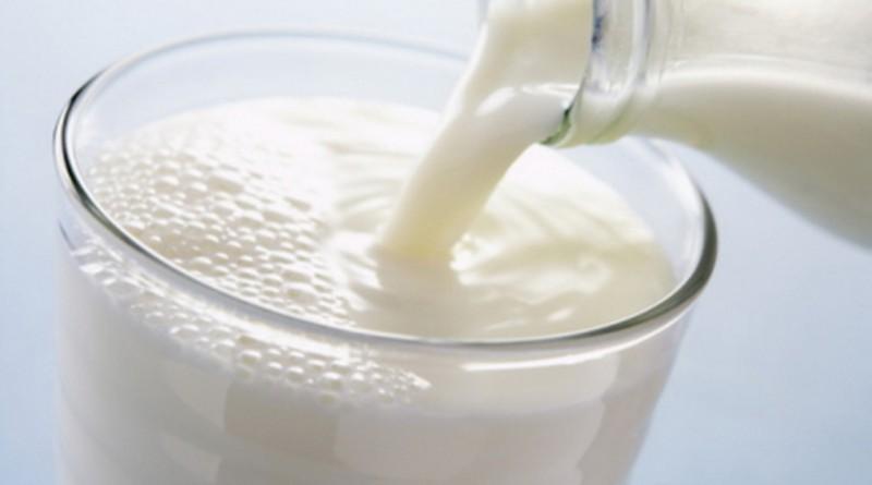 розлив молоко