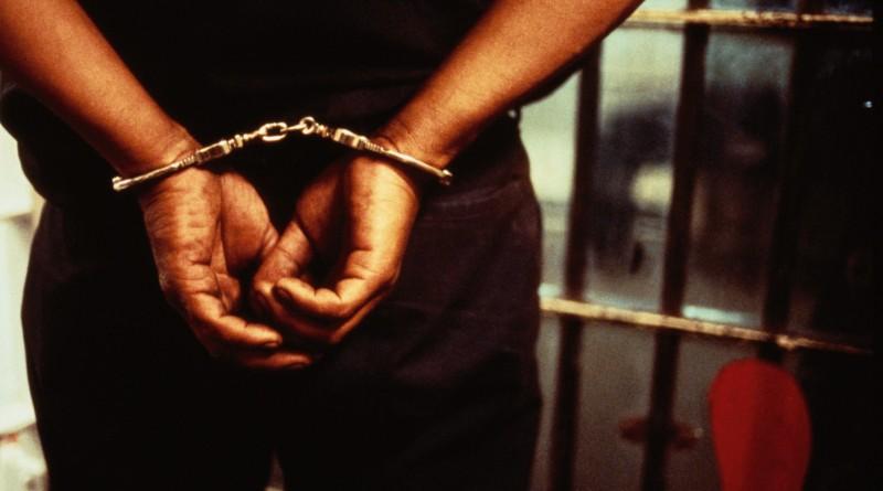 заключенный вор наручники мошенник тюрьма