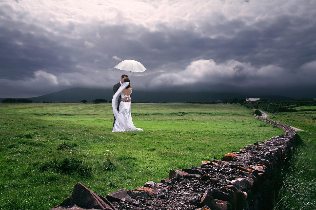 Свадебная фотография - ниша, в которой могут работать и начинающие, и профессиональные фотографы