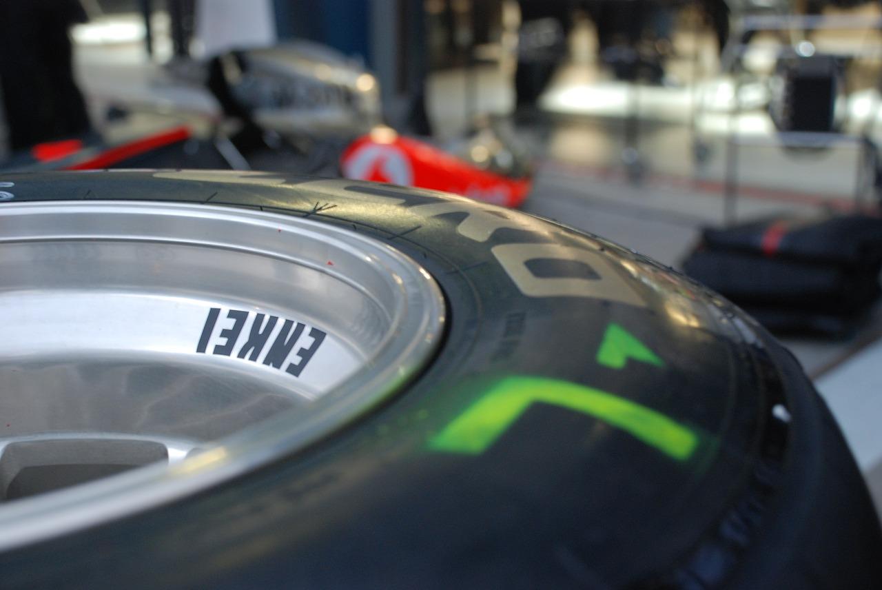 резина колесо шина