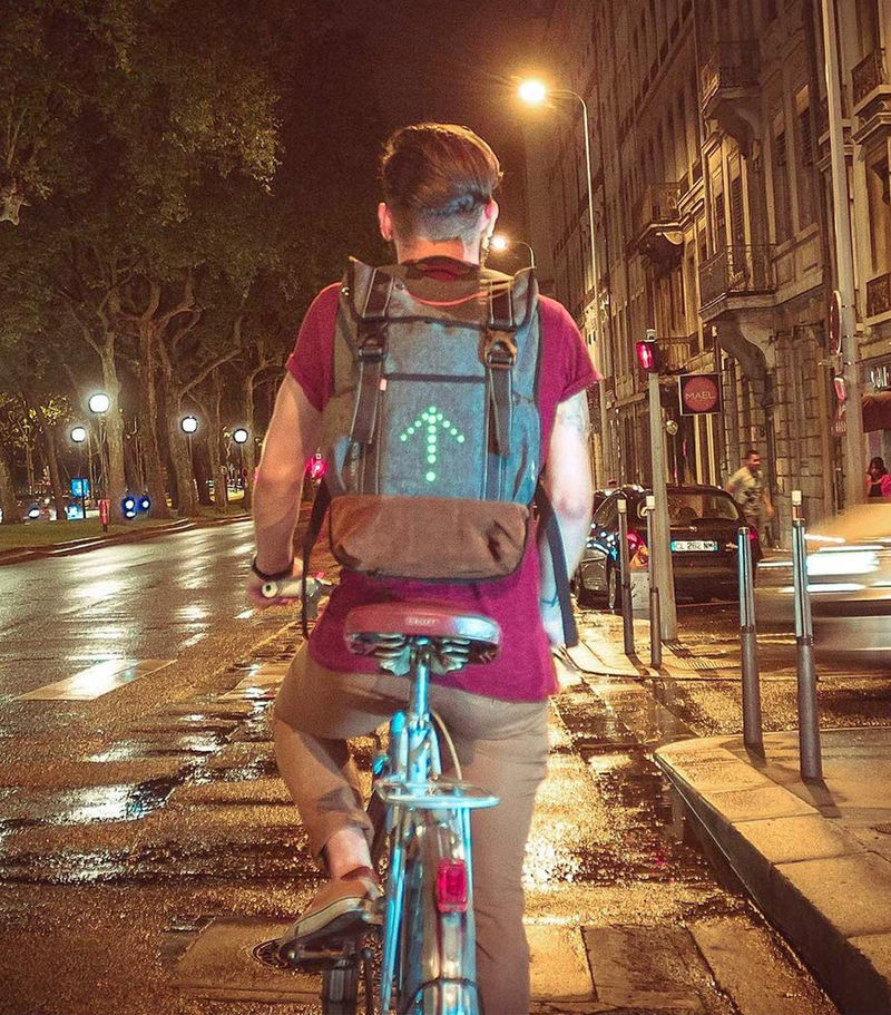 turn-signal-commuter-backpack