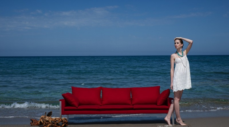 женщина девушка океан диван
