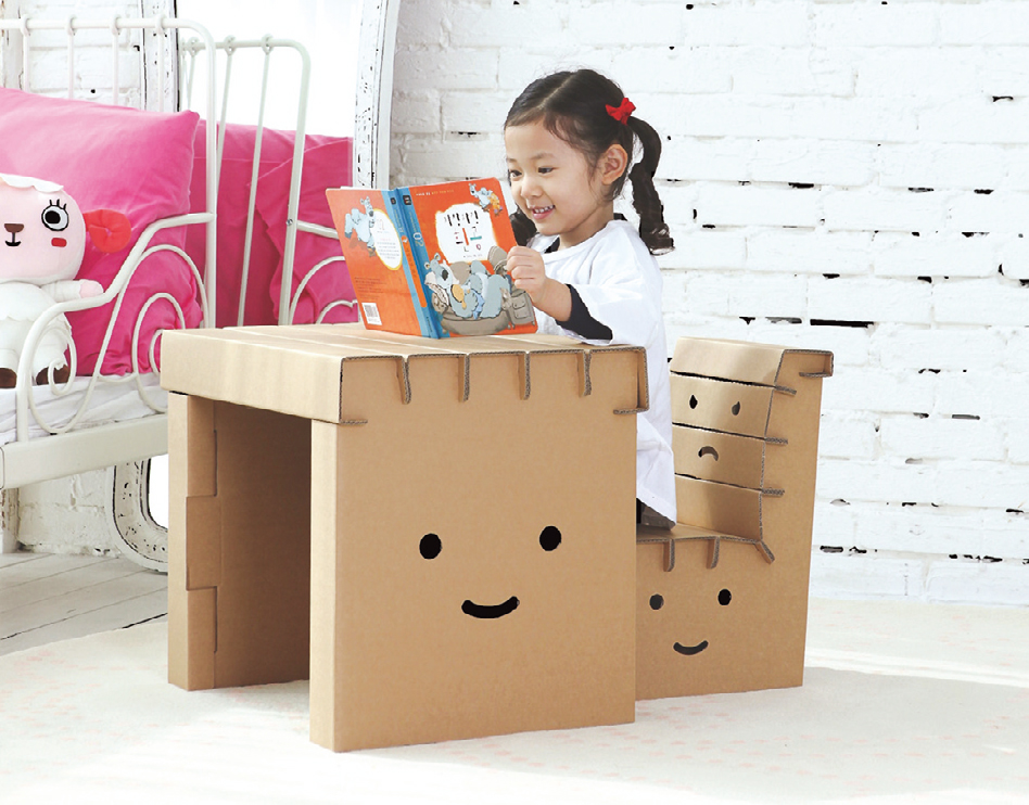 CardboardFurniture-chair-for-kids